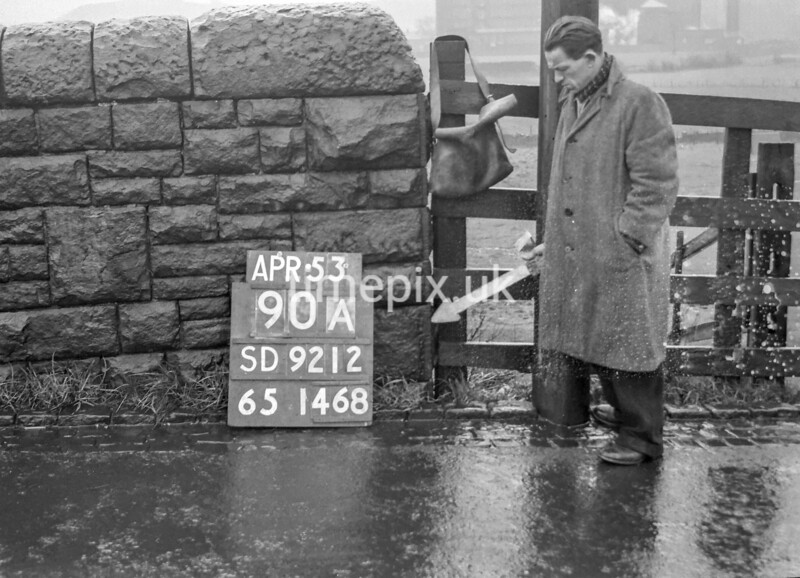 SD921290A, Ordnance Survey Revision Point photograph in Greater Manchester