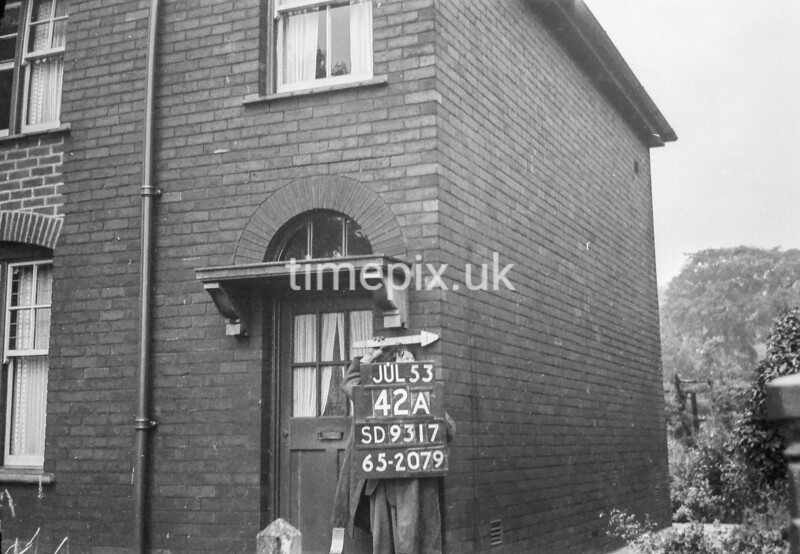 SD931742A1, Ordnance Survey Revision Point photograph in Greater Manchester