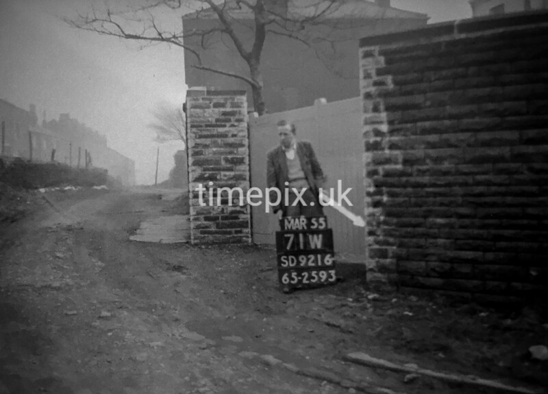 SD921671W, Ordnance Survey Revision Point photograph in Greater Manchester