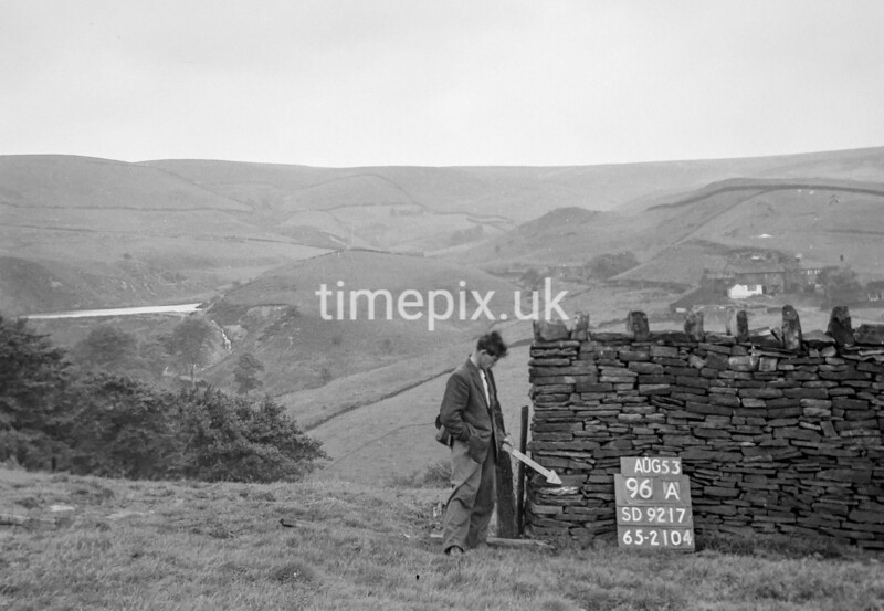 SD921796A, Ordnance Survey Revision Point photograph in Greater Manchester