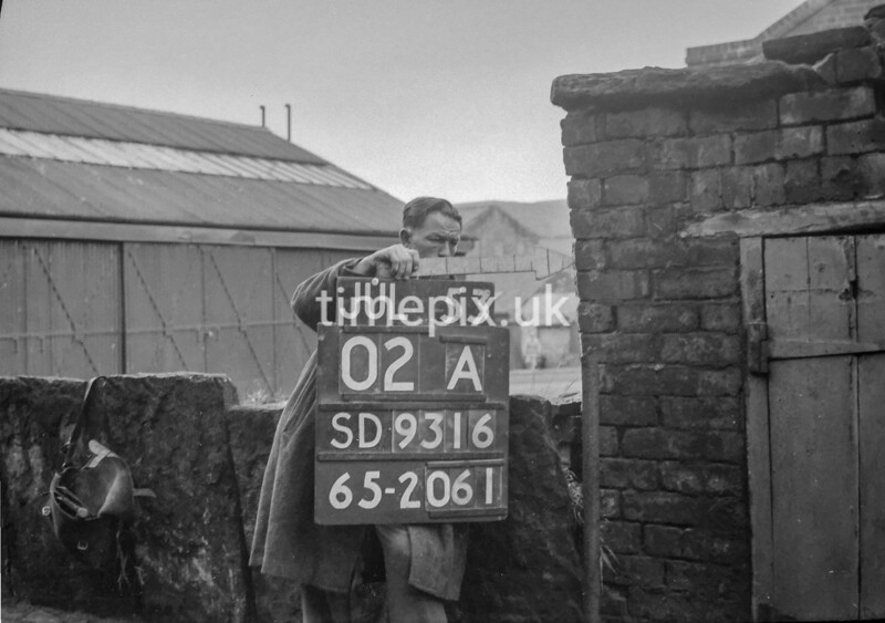 SD931602A, Ordnance Survey Revision Point photograph in Greater Manchester