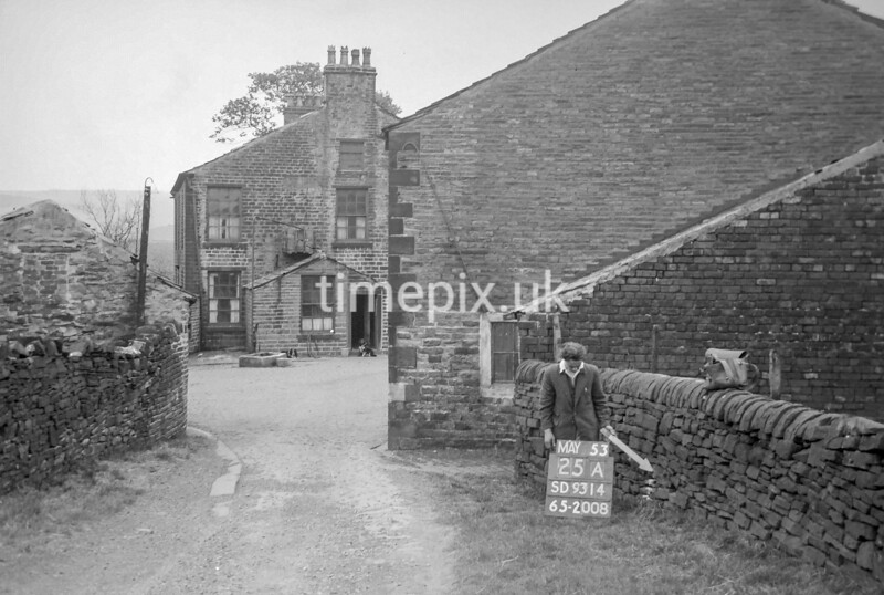 SD931425A, Ordnance Survey Revision Point photograph in Greater Manchester