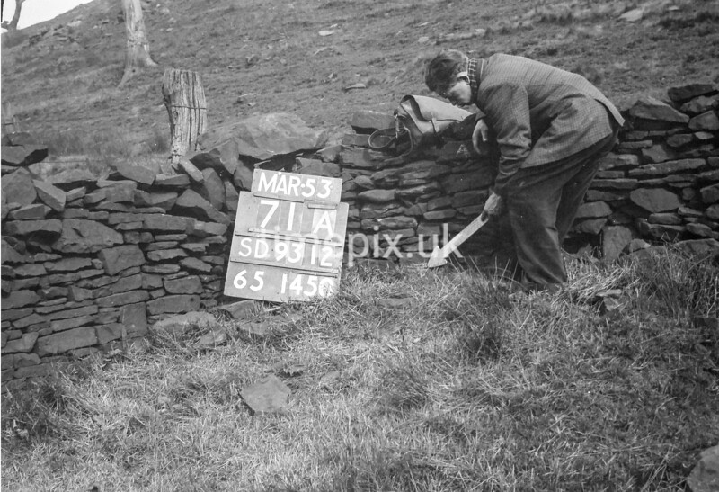 SD931271A, Ordnance Survey Revision Point photograph in Greater Manchester