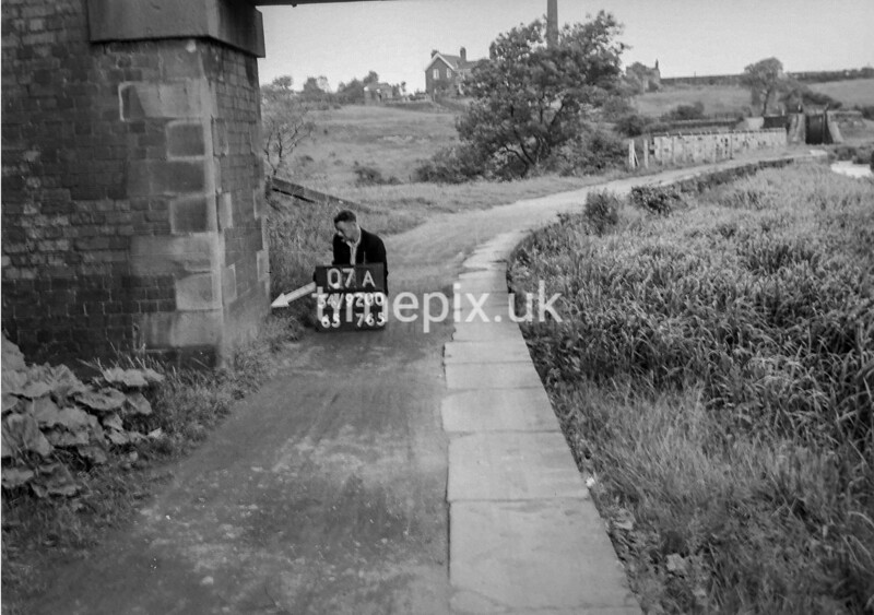 SD920007A, Ordnance Survey Revision Point photograph in Greater Manchester