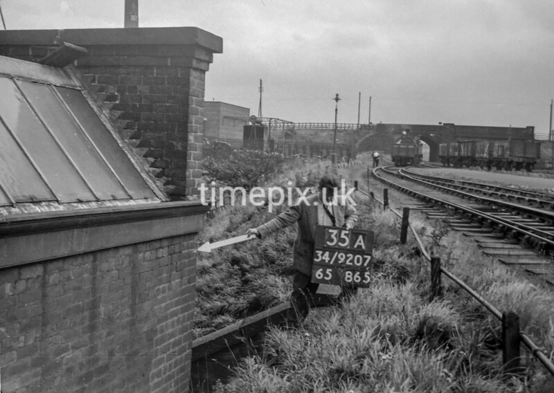 SD920735A, Ordnance Survey Revision Point photograph in Greater Manchester