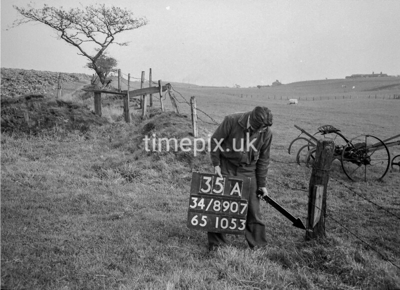 SD890735A, Ordnance Survey Revision Point photograph in Greater Manchester
