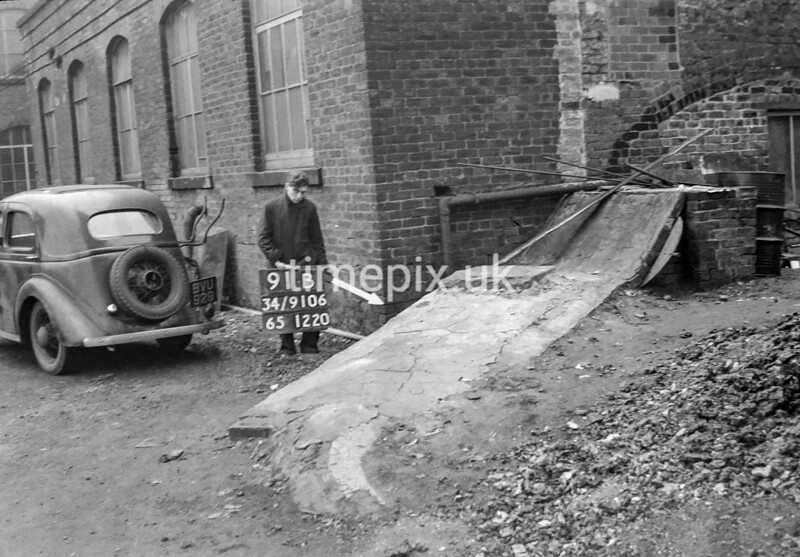 SD910691B, Ordnance Survey Revision Point photograph in Greater Manchester