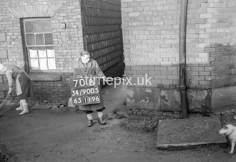 SD900570B, Ordnance Survey Revision Point photograph in Greater Manchester