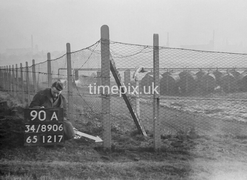 SD890690A, Ordnance Survey Revision Point photograph in Greater Manchester