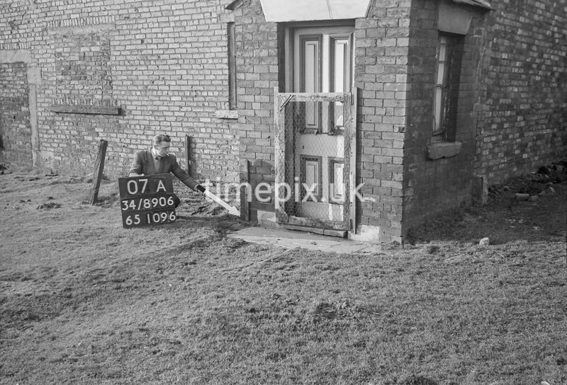 SD890607A, Ordnance Survey Revision Point photograph in Greater Manchester
