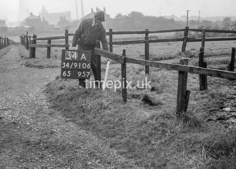 SD910634A, Ordnance Survey Revision Point photograph in Greater Manchester
