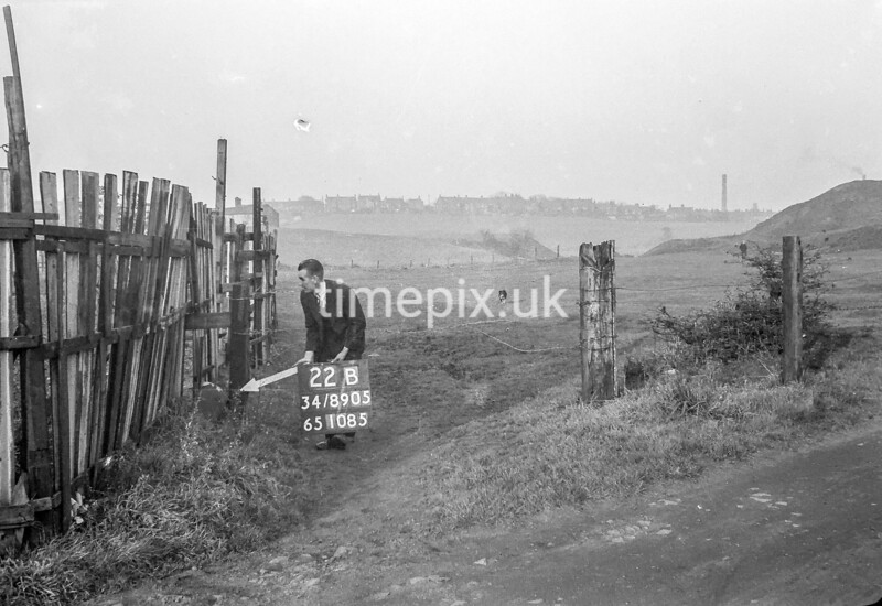 SD890522B, Ordnance Survey Revision Point photograph in Greater Manchester