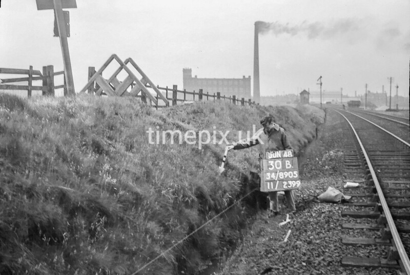 SD890530B, Ordnance Survey Revision Point photograph in Greater Manchester
