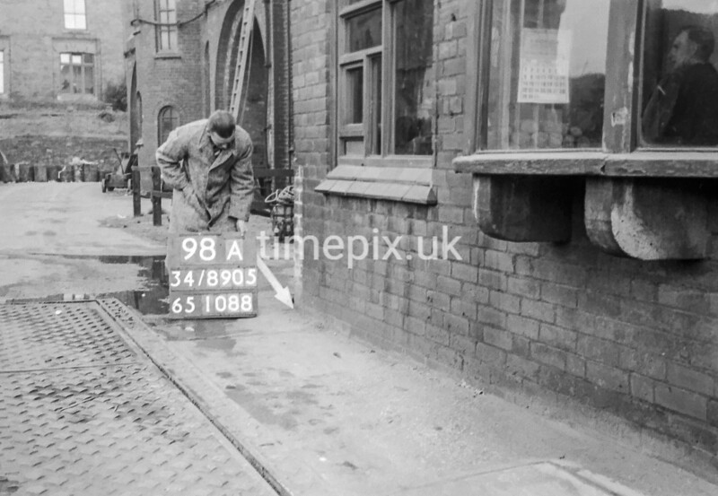 SD890598A, Ordnance Survey Revision Point photograph in Greater Manchester