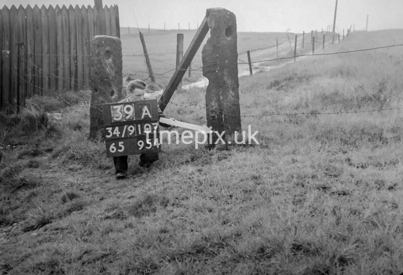 SD910739A, Ordnance Survey Revision Point photograph in Greater Manchester