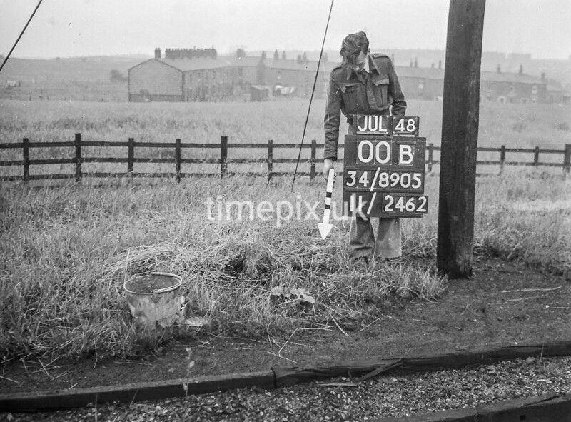 SD890500B, Ordnance Survey Revision Point photograph in Greater Manchester