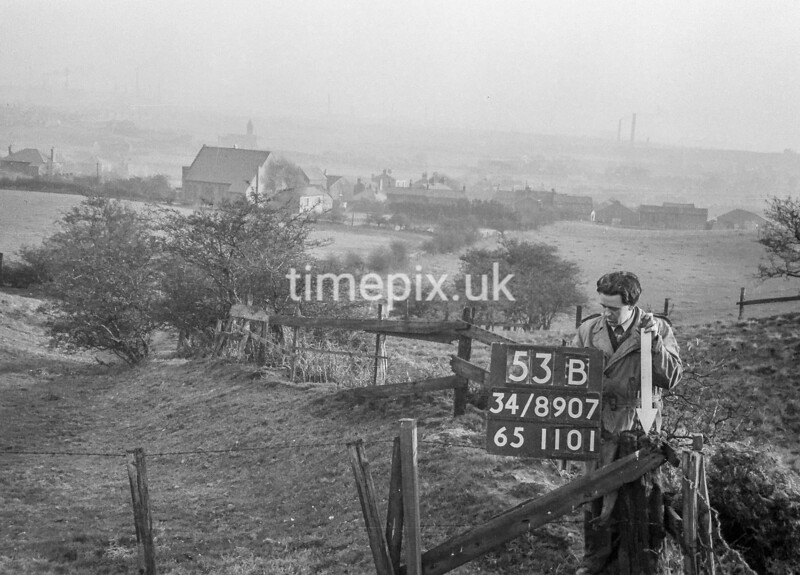 SD890753B, Ordnance Survey Revision Point photograph in Greater Manchester