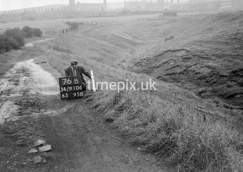 SD910676B, Ordnance Survey Revision Point photograph in Greater Manchester