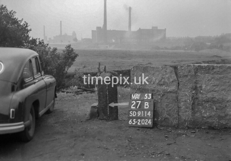 SD911427B, Ordnance Survey Revision Point photograph in Greater Manchester