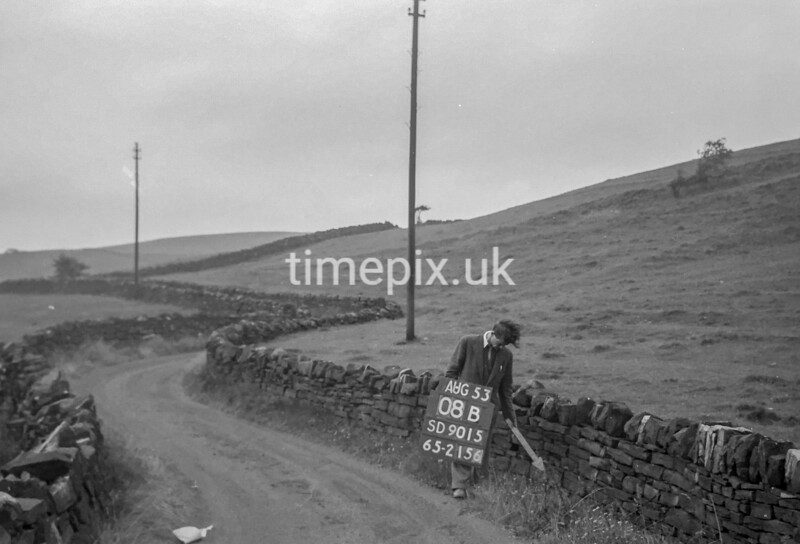 SD901508B, Ordnance Survey Revision Point photograph in Greater Manchester