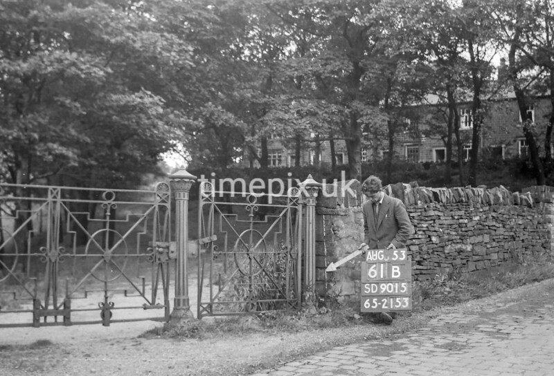 SD901561B, Ordnance Survey Revision Point photograph in Greater Manchester