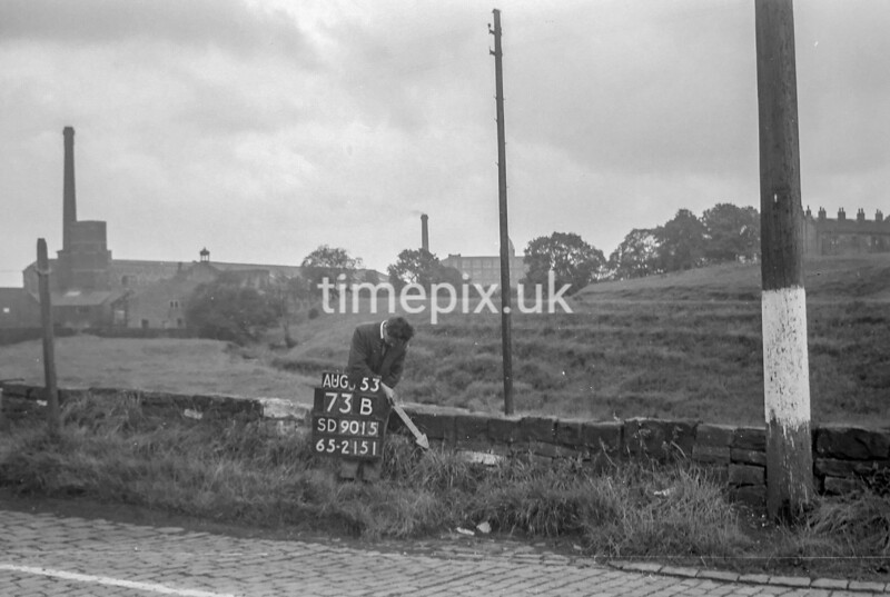 SD901573B, Ordnance Survey Revision Point photograph in Greater Manchester