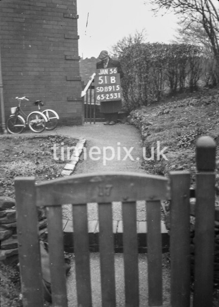 SD891551B, Ordnance Survey Revision Point photograph in Greater Manchester