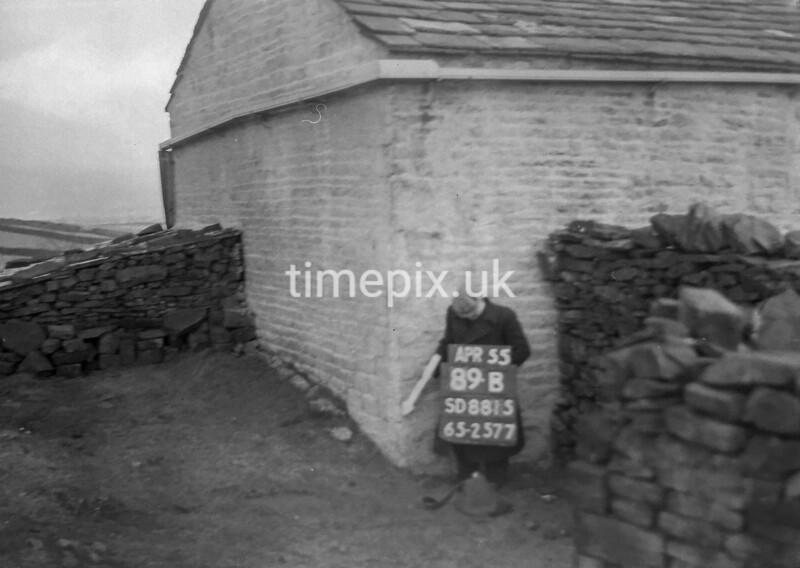 SD881589B2, Ordnance Survey Revision Point photograph in Greater Manchester
