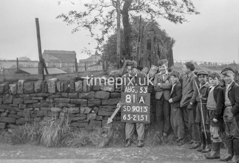 SD901581A, Ordnance Survey Revision Point photograph in Greater Manchester