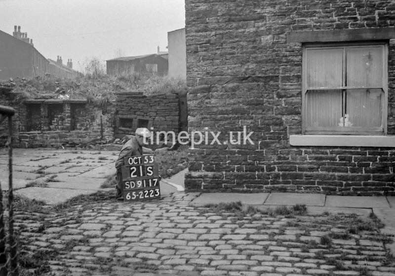 SD911721S, Ordnance Survey Revision Point photograph in Greater Manchester