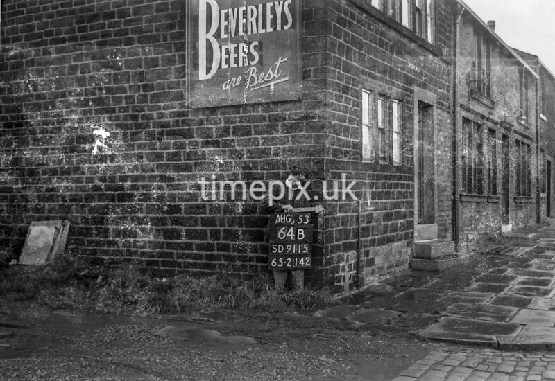SD911564B, Ordnance Survey Revision Point photograph in Greater Manchester