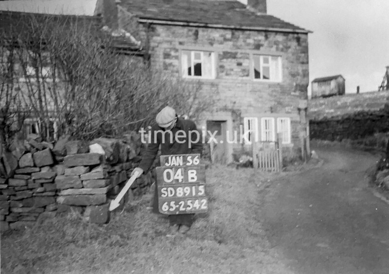 SD891504B, Ordnance Survey Revision Point photograph in Greater Manchester