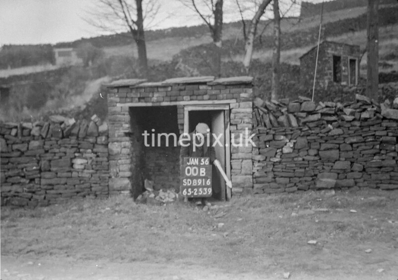 SD891600B, Ordnance Survey Revision Point photograph in Greater Manchester