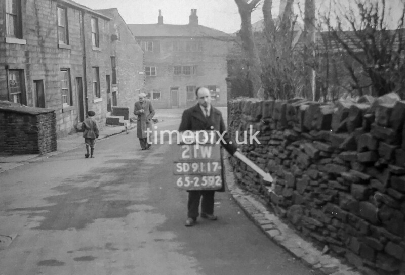 SD911721W, Ordnance Survey Revision Point photograph in Greater Manchester