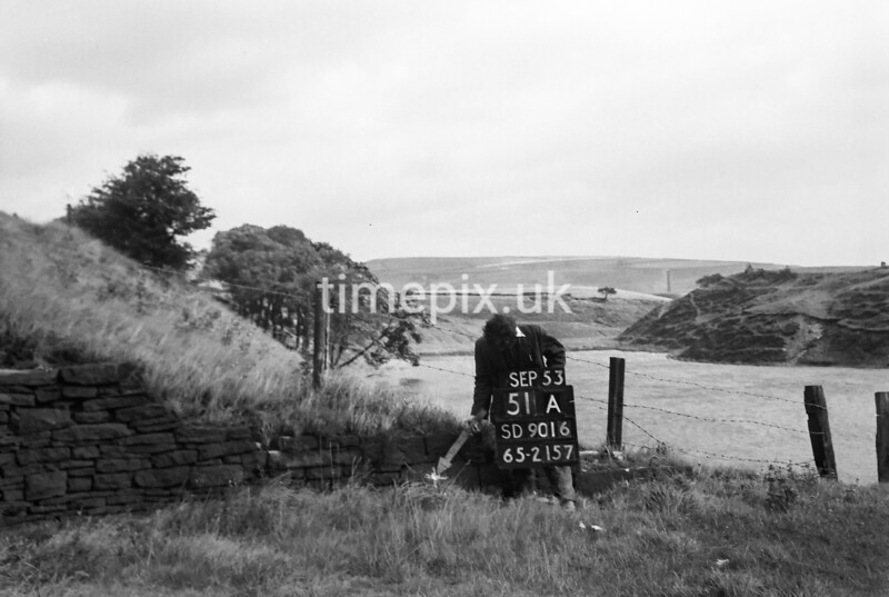 SD901651A, Ordnance Survey Revision Point photograph in Greater Manchester