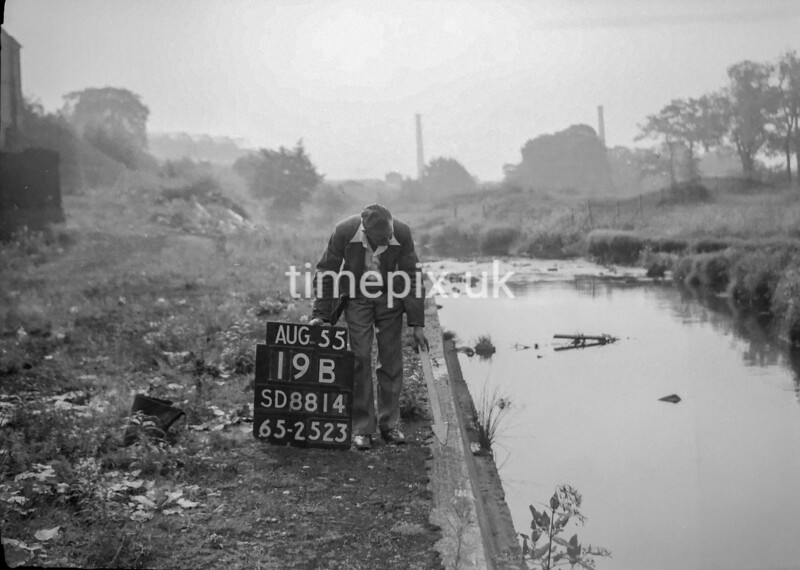 SD881419B, Ordnance Survey Revision Point photograph in Greater Manchester