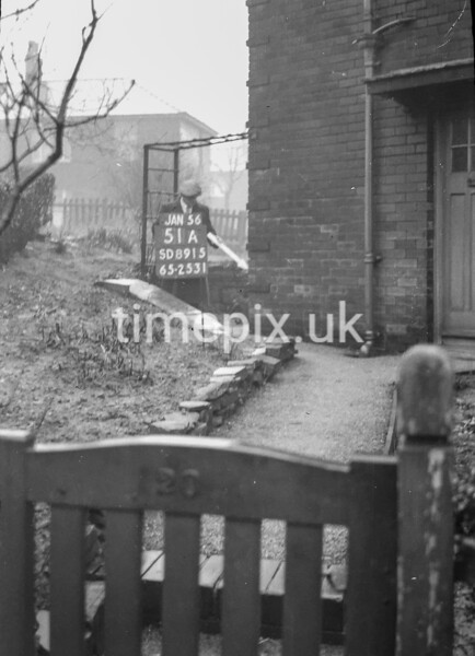SD891551A, Ordnance Survey Revision Point photograph in Greater Manchester
