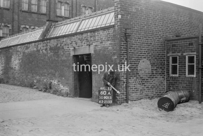 SD901560A, Ordnance Survey Revision Point photograph in Greater Manchester
