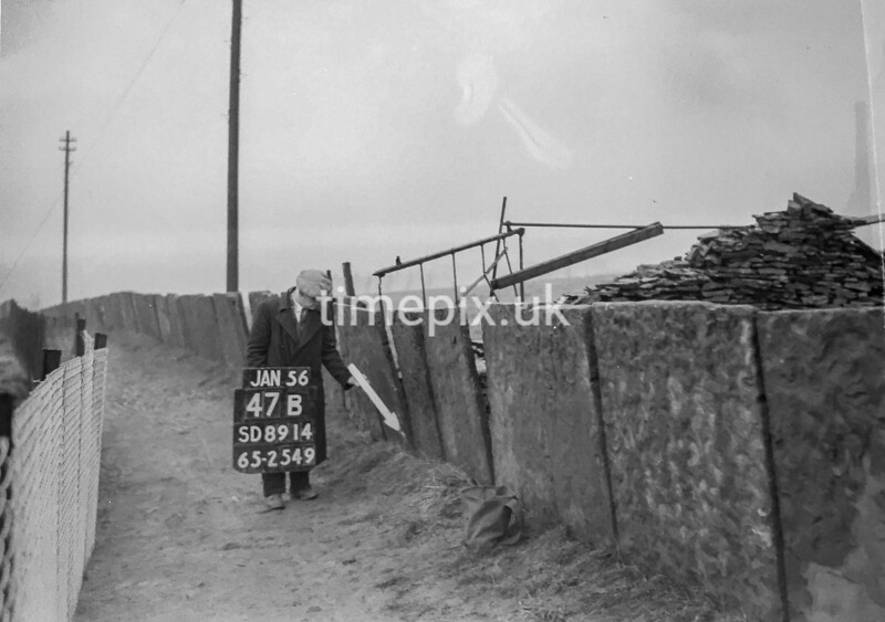 SD891447B, Ordnance Survey Revision Point photograph in Greater Manchester