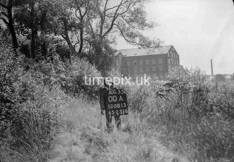 SD881500A2, Ordnance Survey Revision Point photograph in Greater Manchester