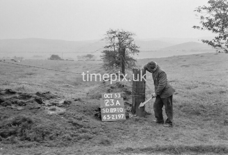 SD891023A, Ordnance Survey Revision Point photograph in Greater Manchester