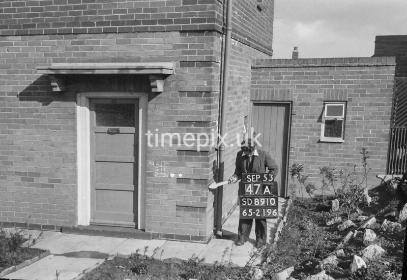 SD891047A, Ordnance Survey Revision Point photograph in Greater Manchester