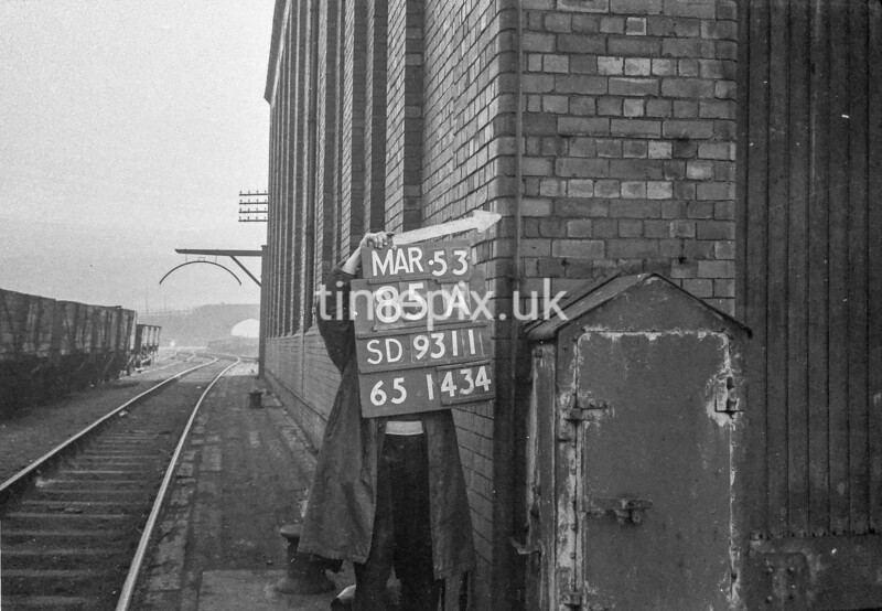 SD931185A, Ordnance Survey Revision Point photograph in Greater Manchester