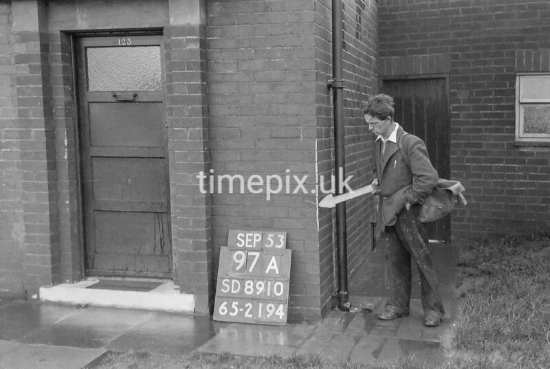 SD891097A, Ordnance Survey Revision Point photograph in Greater Manchester