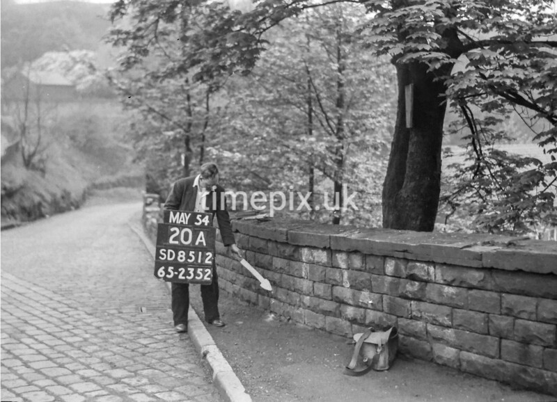 SD851220A, Ordnance Survey Revision Point photograph in Greater Manchester