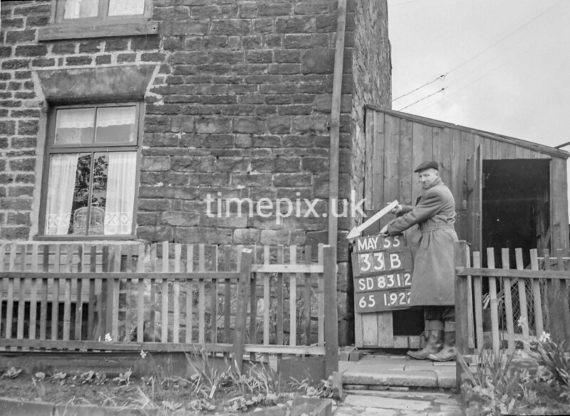 SD831233B, Ordnance Survey Revision Point photograph in Greater Manchester