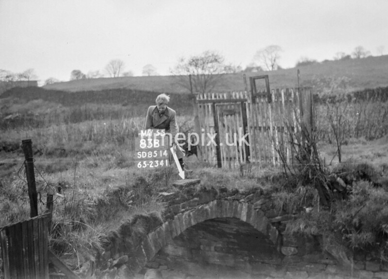 SD851483B, Ordnance Survey Revision Point photograph in Greater Manchester