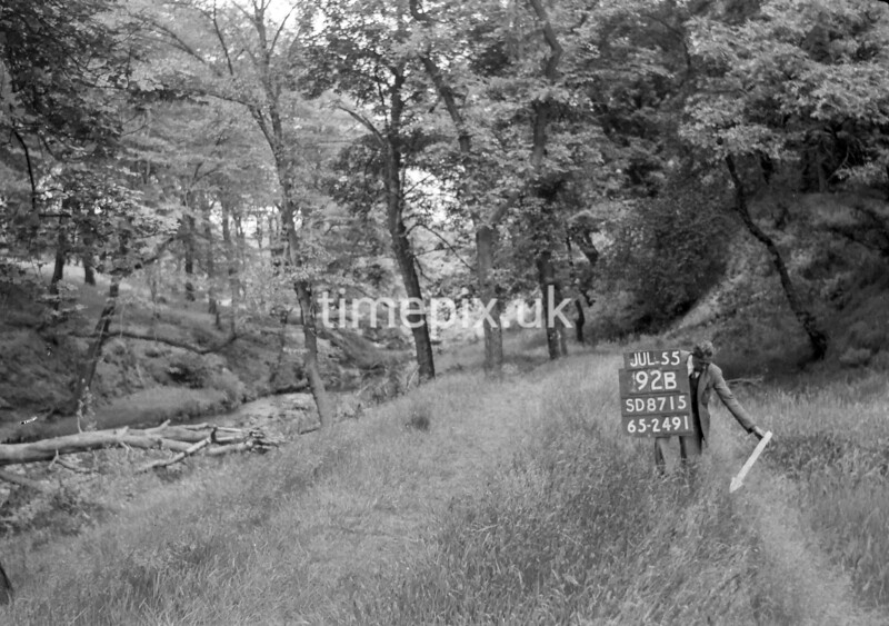 SD871592B, Ordnance Survey Revision Point photograph in Greater Manchester