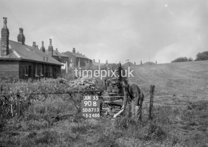 SD871590B, Ordnance Survey Revision Point photograph in Greater Manchester
