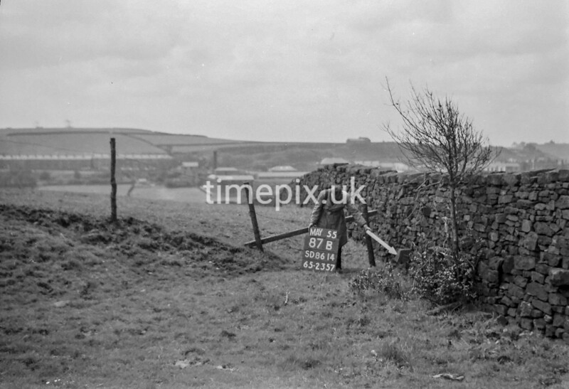 SD861487B, Ordnance Survey Revision Point photograph in Greater Manchester